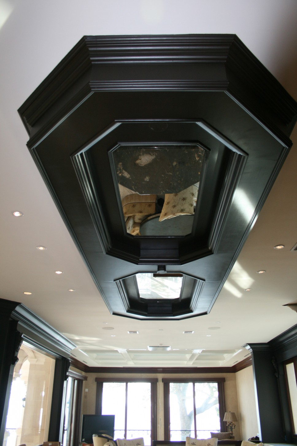 Coffered_ceiling_mirror_inlay
