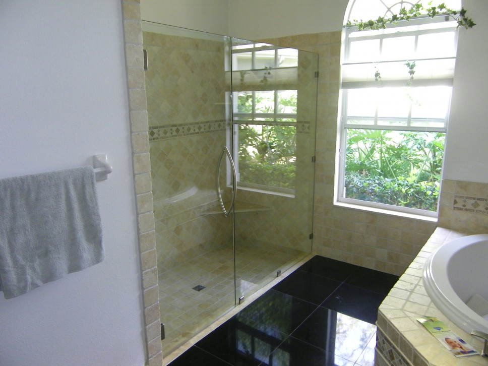 Inline XL with Arch towel bar as handle