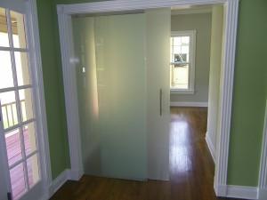 Sliding_glass_barn_door