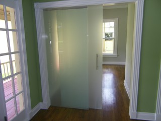Sliding_glass_barn_door