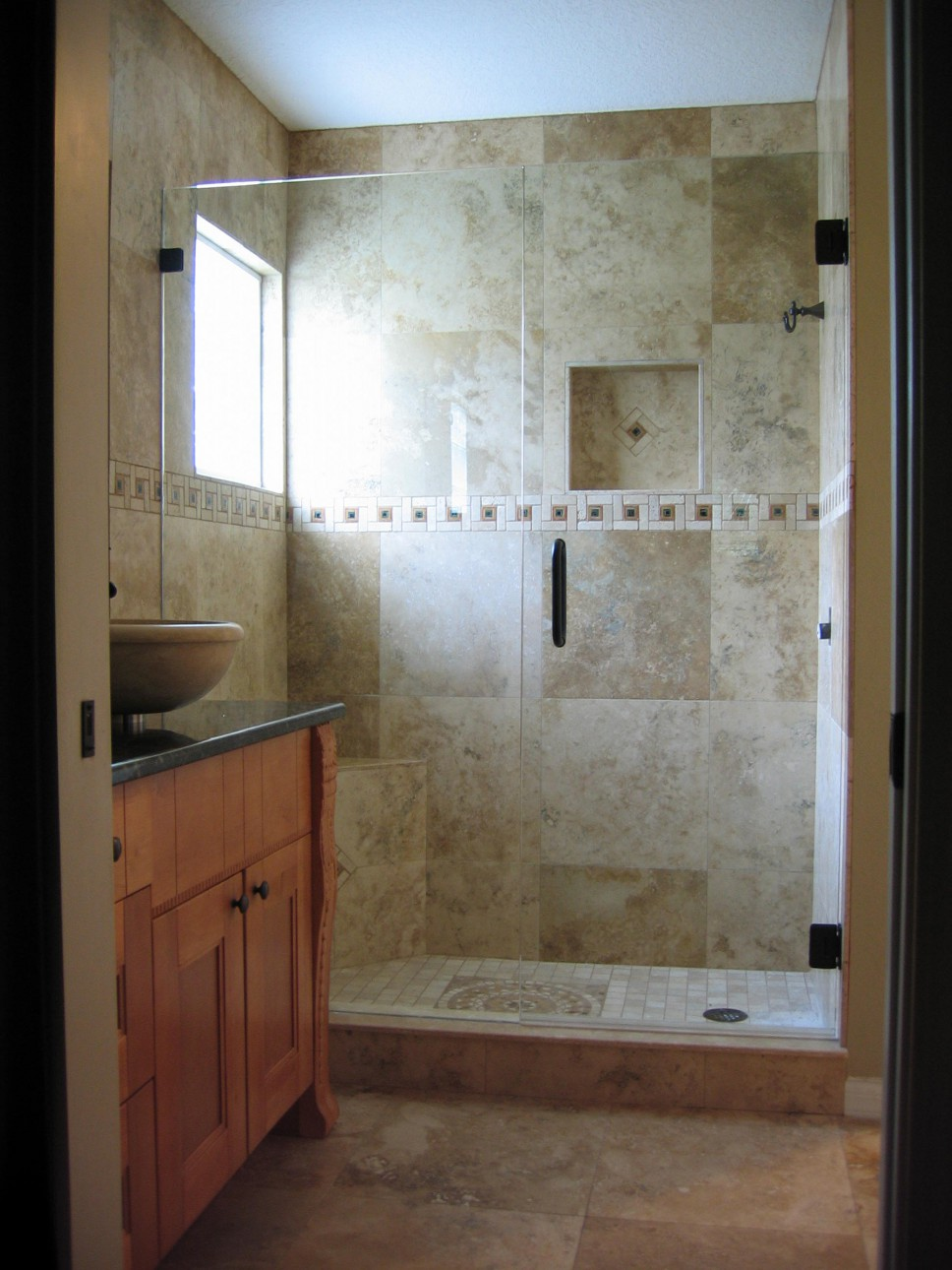 The Inline Door and Panel, Frameless, Clips Style