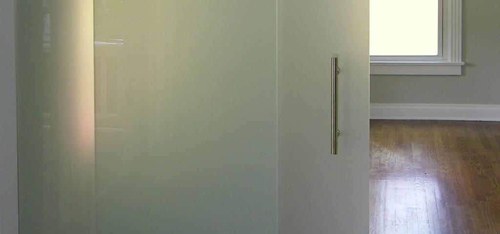 http://www.framelessglassco.com/wp-content/uploads/2014/05/barn-1024x480.jpg
