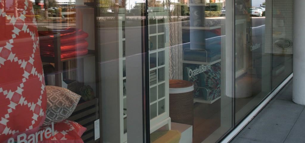 https://www.framelessglassco.com/wp-content/uploads/2014/05/mallfront-1024x480.jpg