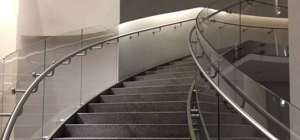 https://www.framelessglassco.com/wp-content/uploads/2014/05/railing-1024x480.jpg